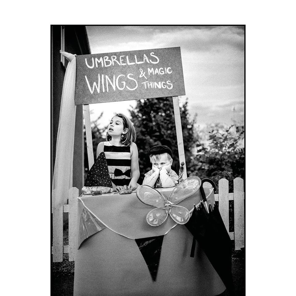 Billy Momo - Umbrellas, wings and magic things